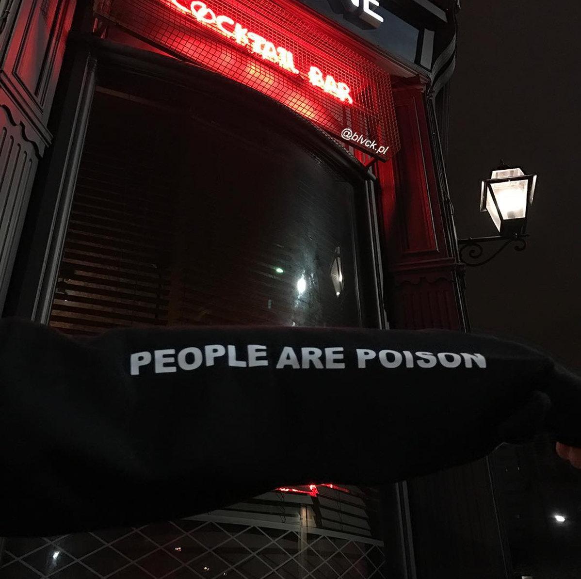 HTB1VhVZQVXXXXcjXpXXq6xXFXXXc - Black Hoodie Sweatshirt People Are Poison Rose