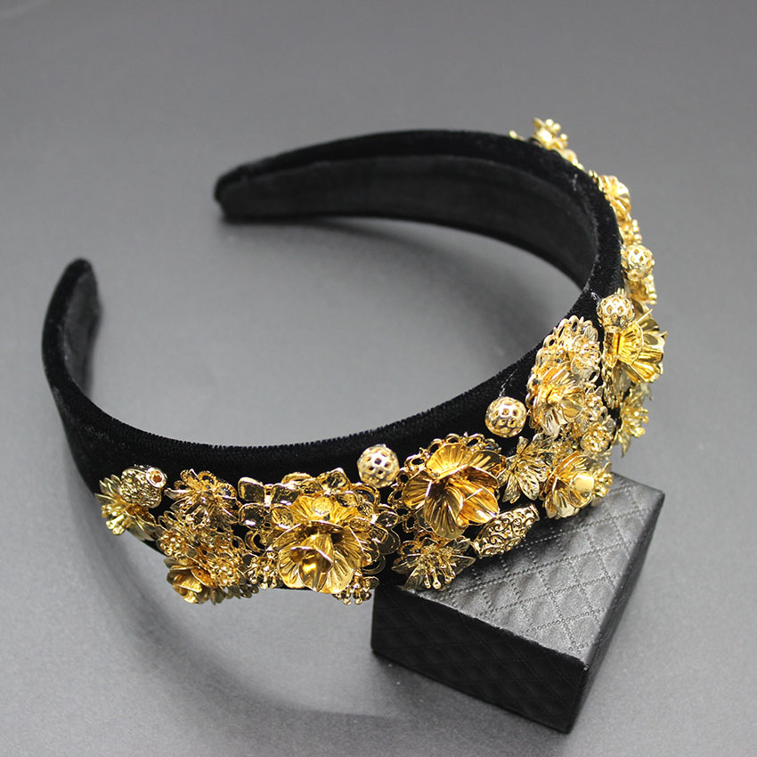 2019 Baroque Court Crown geometric metal gem headband European and American retro Baroque gold flower headdress earrings hoop in Women 39 s Hair Accessories from Apparel Accessories