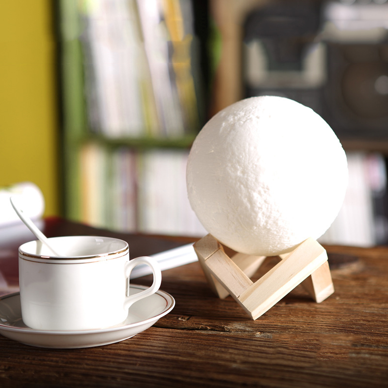 NEW ARRIVAL 8CM 3D Moon LED Night Light Moonlight Magical gift Moon Lamp with wooden Base Surprise for Friend