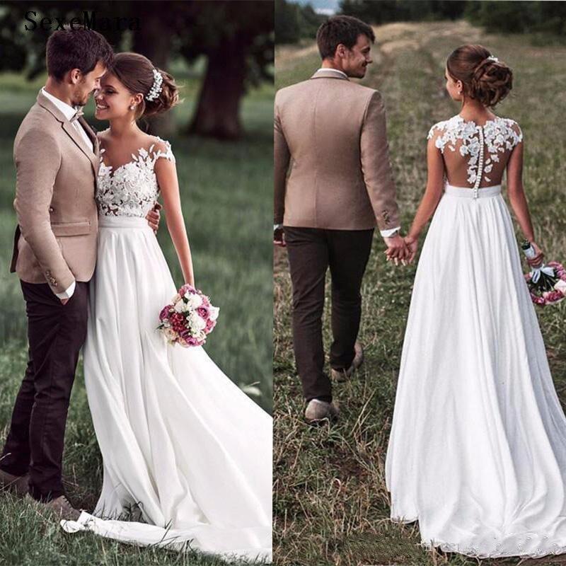 Nouveau blanc à manches longues robes de mariée dentelle appliqué Puffy Tulle 2019 haute qualité robes de mariée de mariée grande taille sur mesure