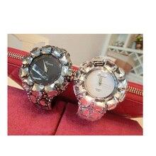 Luxury Women Quartz Watches Floral Design Women