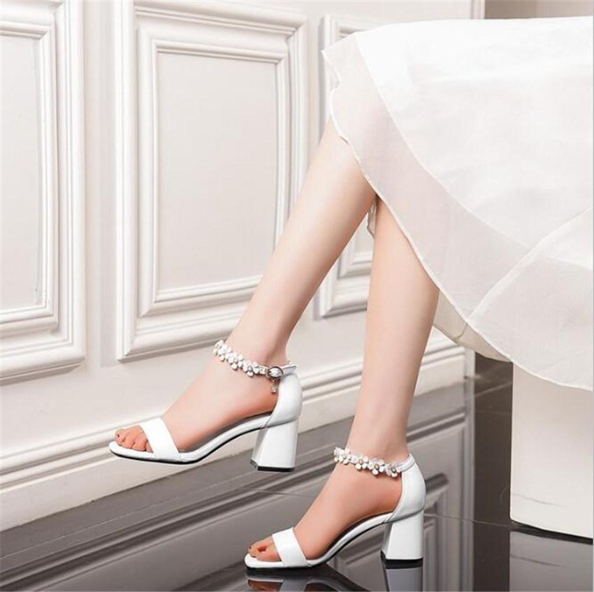MLCRIYG 2018 summer Korean version new low heeled shoes clasp tripping sandals