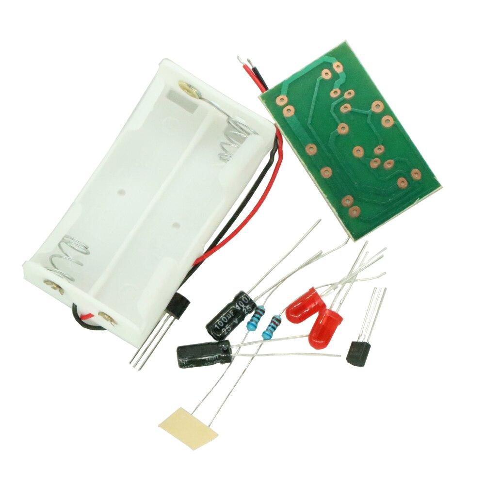 Triode Transistor Multivibrator LED Flash Light Electronic Circuit DIY Kits Training Set