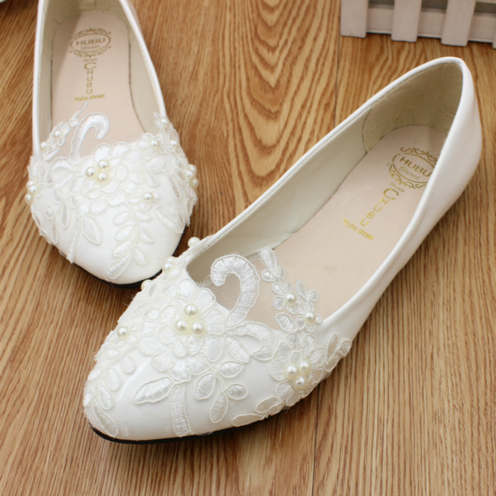 2018 New lace pearl flower handmade wedding shoes bride white wedding dress flat  shoes low heel bridesmaids show shoe girl-in Low Heels from Shoes on ... 822e8116133c
