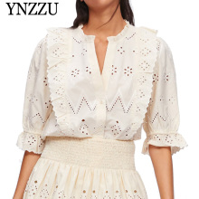 YNZZU 2019 New arrival V-neck lace women top Hollow out embroidery causal ladies T shirt Loose elegant three quarter tops YT822