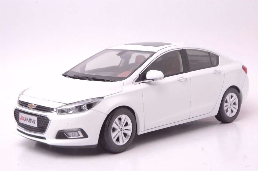 1:18 Diecast Model for Cherolet Chevy Cruze 2015 White Sedan Alloy Toy Car Miniature Collection Gifts 1 18 diecast model for cherolet chevy volt 2011 black alloy toy car miniature collection gifts
