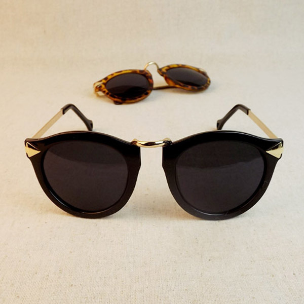 Mulheres Óculos De Sol Estilo de Seta Óculos Femininos Óculos de Armação de  Metal Óculos de d74e40e90b