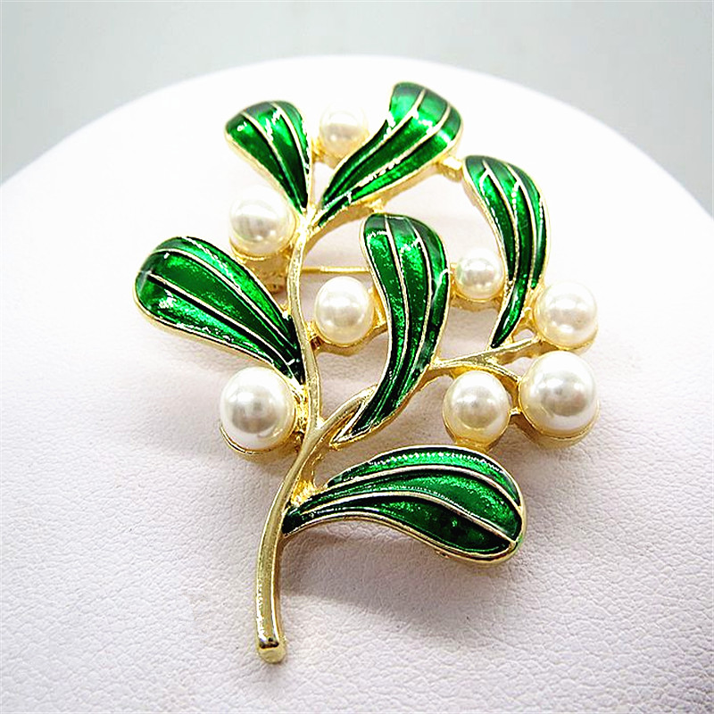 New Noble Lady Dress Brooch Brooch Birthday Party Gift Wholesale Girl Leaves Brought The Needle Free ShippingSETS