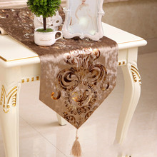 European luxury coffe color table flag Velvet fabric Table Runner Tablecloth Embroidered Runners Flag Dinner Mats