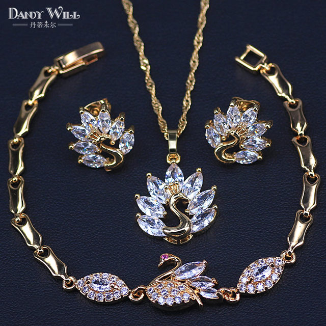 Swan Gold Color Jewelry Set...