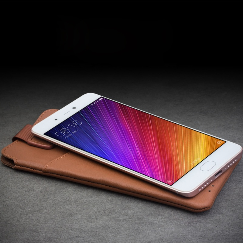 imágenes para Para Xiaomi mi5 Mi 5S Bolsas y Bolsas Bolsa de Accesorios de Cuero para xiaomi mi 5S QIALINO Genuino/5S Plus, tamaño: 166x88mm-Marrón