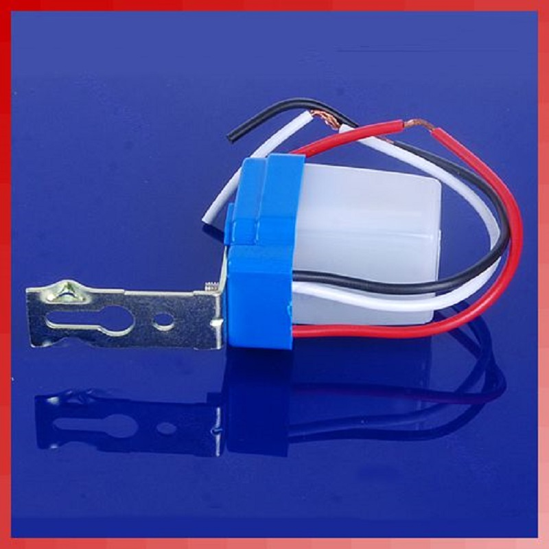 Automatic Auto On Day Off Street Light Switch 10A Night Control Sensor AC 220V- L057 New hot last day on mars