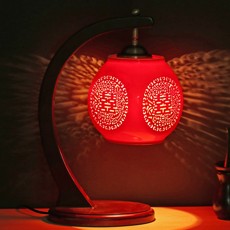 Table lamp Jingdezhen Chinese style retro with ceramic lamp Chinese wind red creative bedroom bedside wedding gift CL ZS2 lo1021 tuda 2017 now ceramic table lamp chinese wedding room bedroom bedside lamp bedside lamp simple modern ceramic decoration lamp