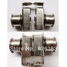 цена на 1 SET High quality slide with pulley (R/L) for EASTMAN CLOTH CUTTING MACHINE 712C1/712C1-1, parts for cutting machine