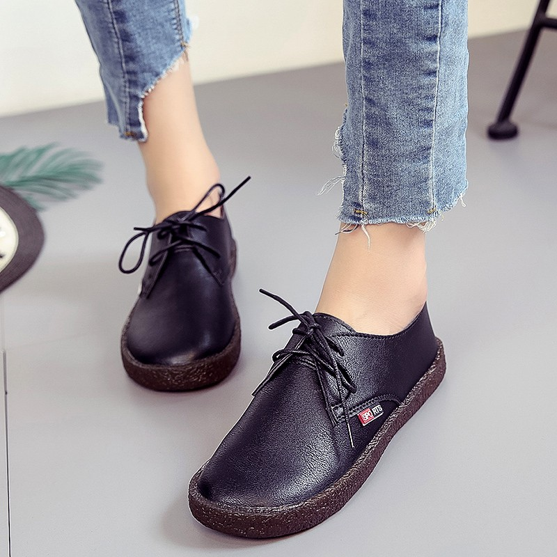 2018 New Women flat Shoes Vintage Lace Up Round head  Women Shoes Leisure Girls Woman leather Soft soles Black white 1605 new brand black white vintage women footwear lace up casual oxford flat shoes woman british style breathable zapatos mujer