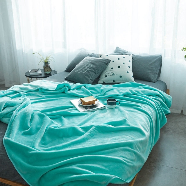Is Light Blue Thicken Flannel Quilt Blanket On The Bed Very Smooth Queen  Size Blanket For