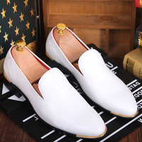 Mens Oxfords Loafers Dress Formal Wedding Business Slip On PU Leather New Shoes Pointy Toe For Man Driving Shoes Black White Red