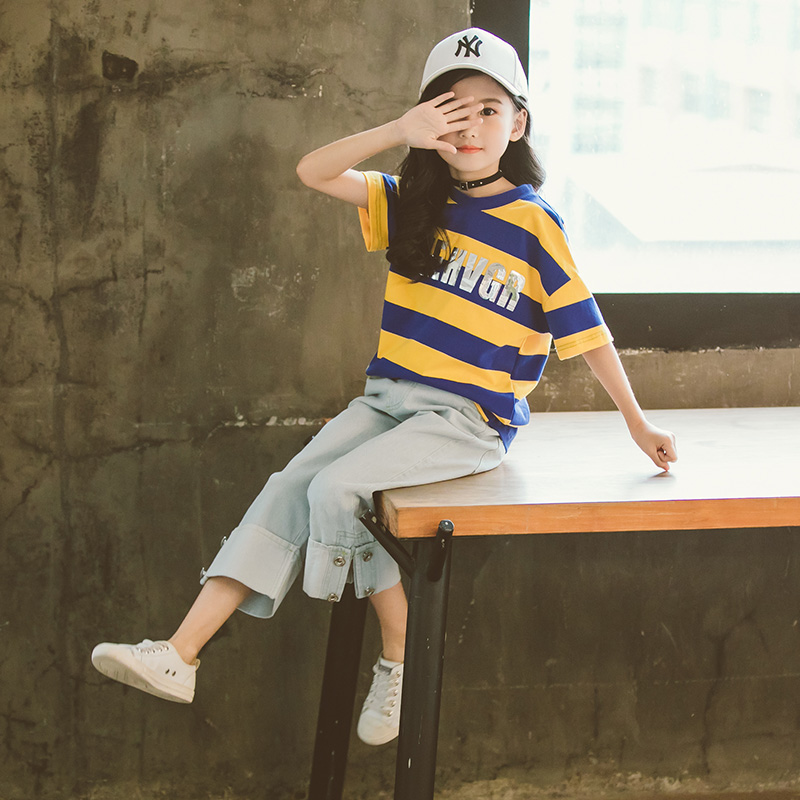 2018 New Summer Children Clothing Girls 2pcs Clothes Set Striped Tee Shirt Tops And Cool Jeans Denim Pants Fashion Design girls slogan print tee with striped pants