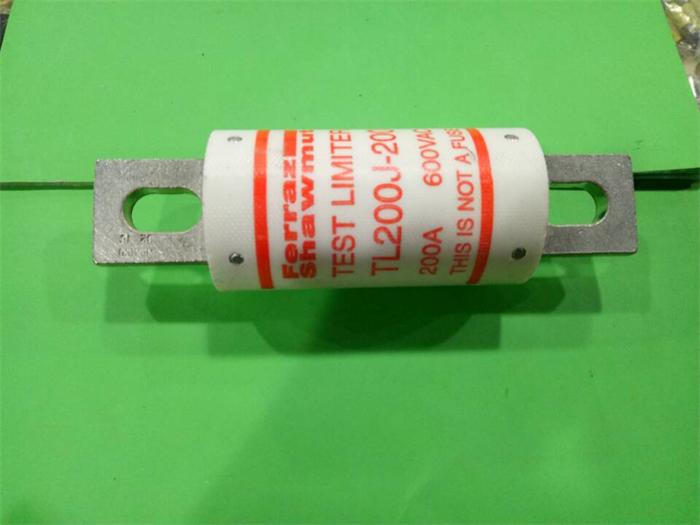 цена Free shipping 5pcs TL200J-200 Ferraz French fuse fuses 200A 699VAC new genuine в интернет-магазинах
