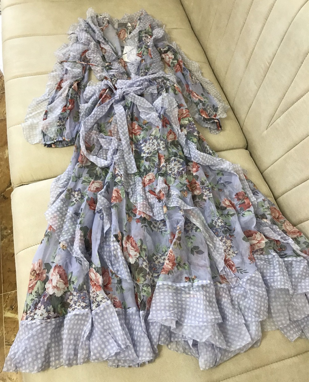 Femmes lilas imprimé Floral élastique manchette et taille Dot garniture à volants cascade longue robe