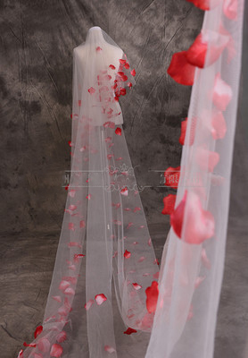 Купить с кэшбэком 5 Meter Tulle Long Bridal Veil with Red Rose Petals Beautiful Wedding Accessories for Bridal velos de novia Wedding Veil S151