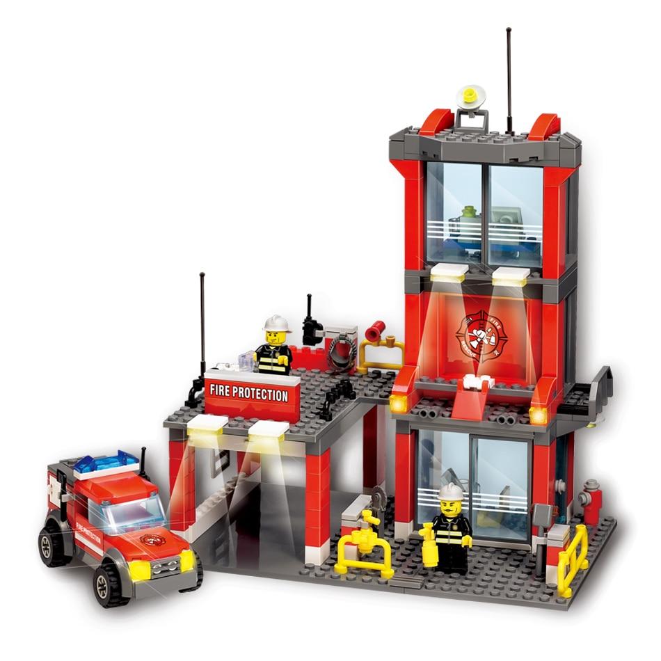 City Fire Station Building Blocks With Firefighter Enlighten Educational Bricks Toy Compatible legoe city Truck Model 0367 sluban 678pcs city series international airport model building blocks enlighten figure toys for children compatible legoe