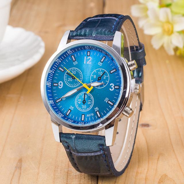 Reloj de Acero Inoxidable con Correa de Cuero