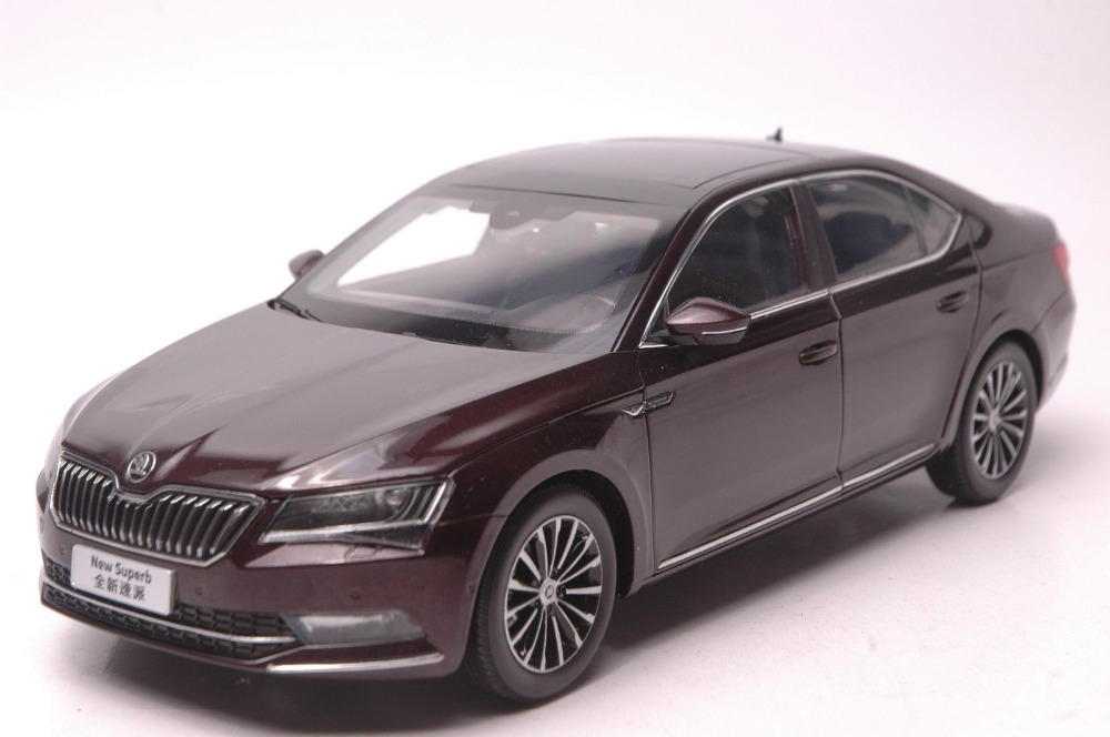 1:18 Diecast Model for Skoda Superb 2015 Red Alloy Toy Car Collection Gifts ветровики skyline skoda superb iii sd with chrome molding 2015