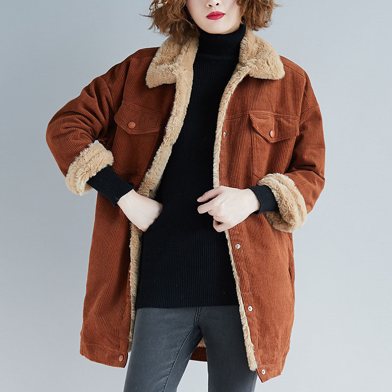 2018 Winter New Loose Plus Size Corduroy Jacket Femme Single Breasted Thick Long   Parkas   Women Lapel Lamb Cashmere Overcoat LQ572