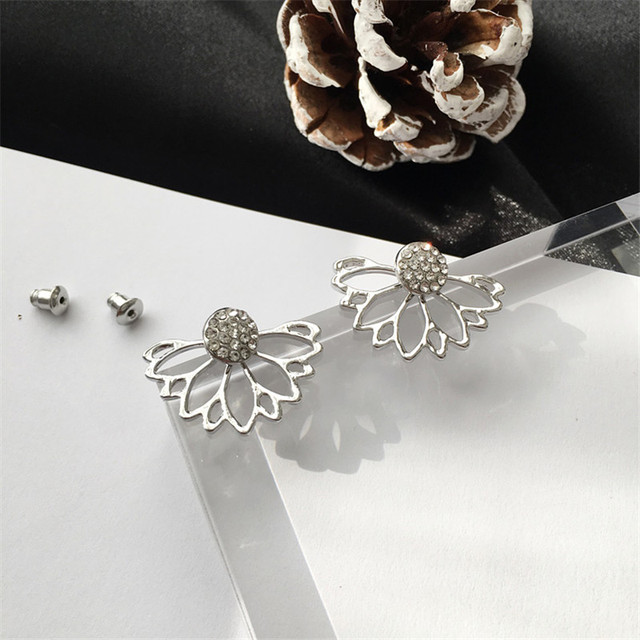 Women's Crystal Flower Stud Earrings