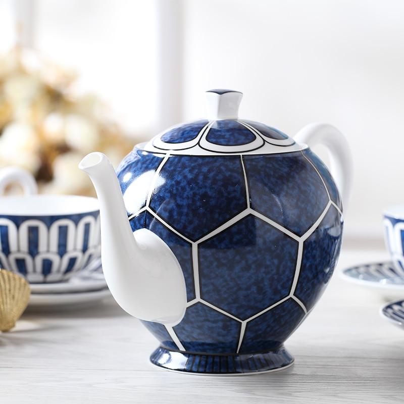 Luxury Bone China ชุดชากาแฟสีฟ้าชุดถ้วยเซรามิคกาน้ำชาพร้อมฝาปิดครีมน้ำตาลชามตกแต่งหน้าแรกโต๊ะรับประทานอาหาร ware ของขวัญ-ใน ชุดเครื่องใช้สำหรับอาหารค่ำ จาก บ้านและสวน บน   2