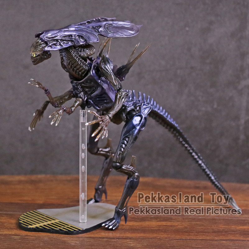 SCI-FI Revoltech Aliens Series No.018 Alien Queen PVC Action Figure Collectible Model Toy цена