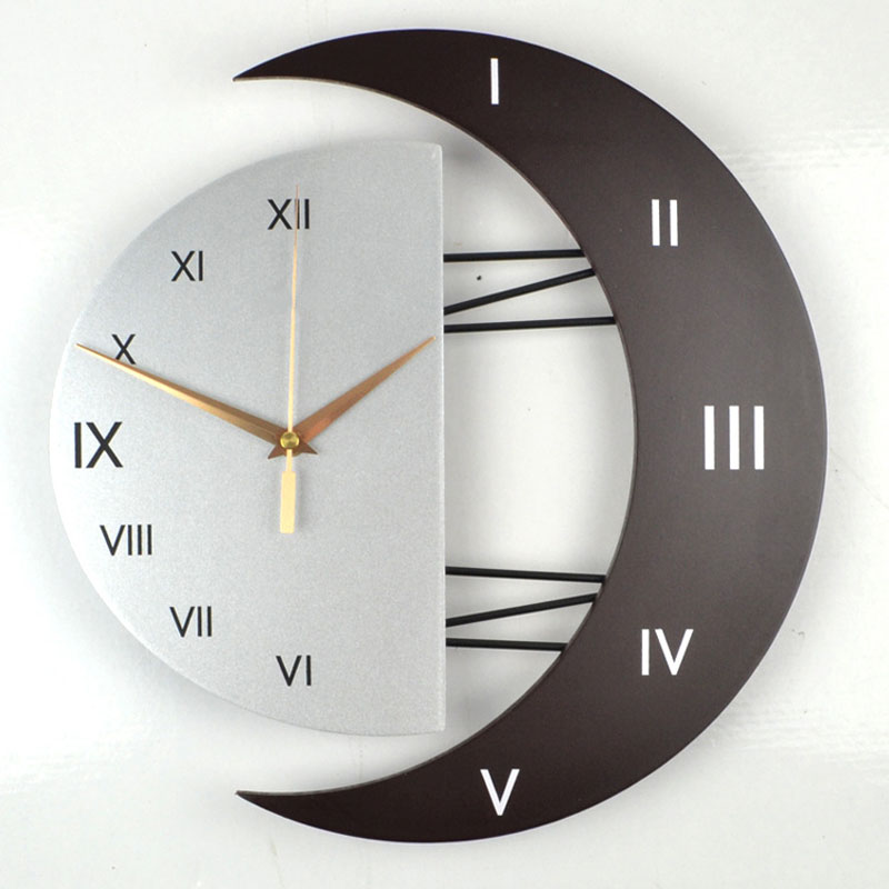 Creative Large Wooden Silent Quartz Wall Clock Star Moon