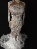 Seksi Sparkly AB Kristaller Tüy Elbise Kadın Yaz Parti Kostüm Sahne Performansı giyim Dans Rhinestones Bayanlar Uzun Elbiseler