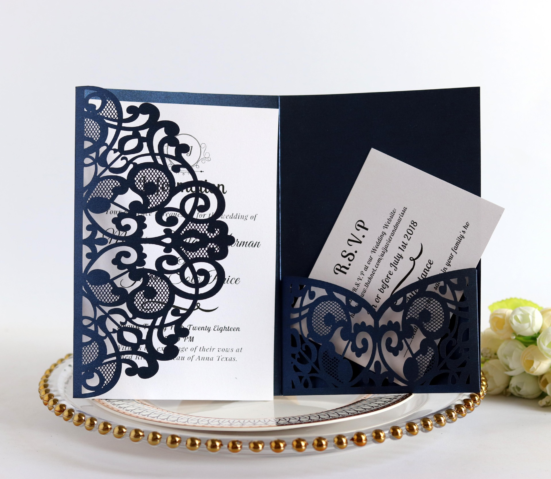 Wedding Cards: 100pcs European Laser Cut Wedding Invitations Card Elegant