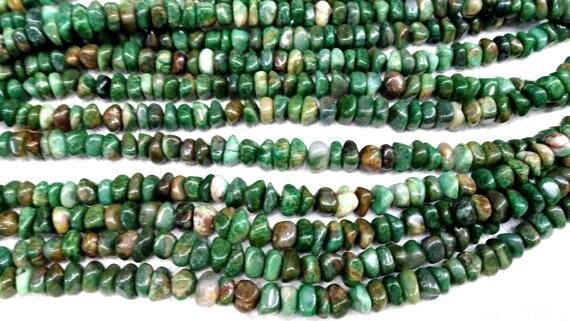 Оптовая продажа 5 нитей 4 12 мм камень зеленый нефрит натуральный индийский драгоценный камень агат самородки произвольной формы чипы зелены