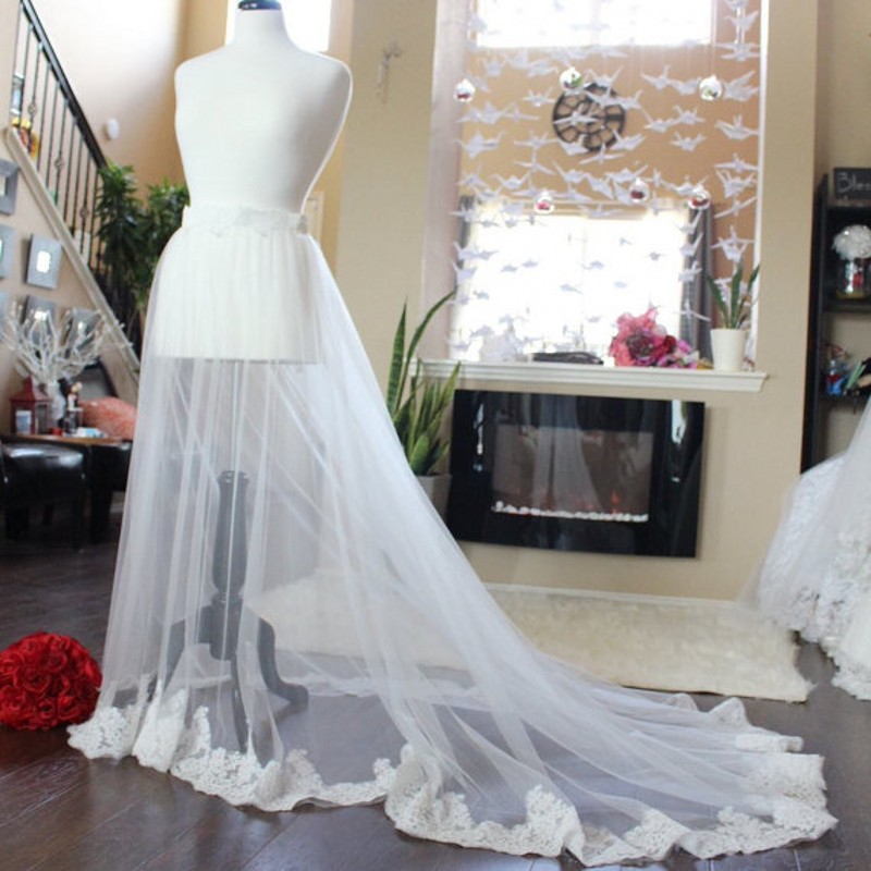 High Quality Tulle Wedding Overskirt Custom Made Floor Length Zipper Waist Bridal Gowns Overlay With Lace Edge Tulle Tutu Saia