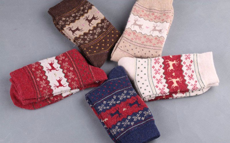 Christmas-Deer-Moose-Design-Casual-Warm-Winter-Knit-Wool-Female-Socks-Christmas-Decoration-Supplies-MR0022 (4)