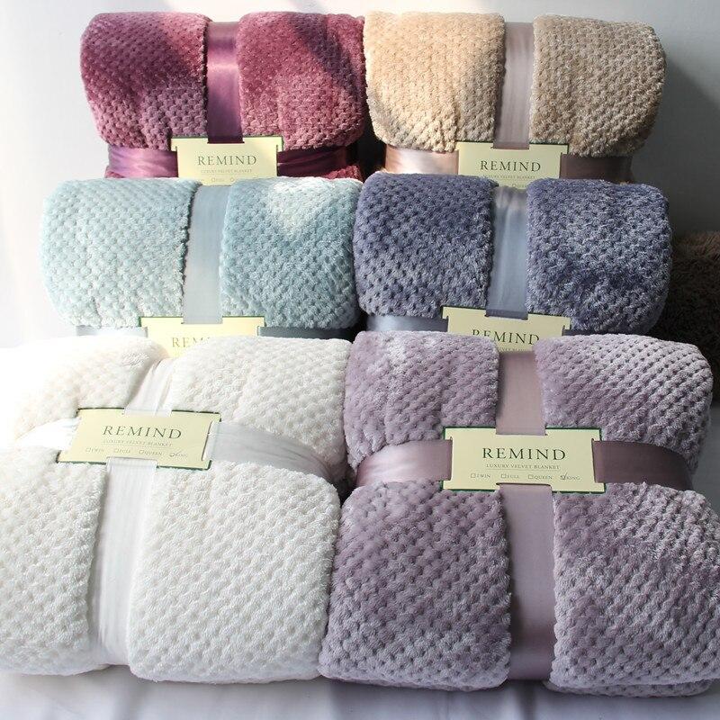 Mantas Con una gran tradición de más de 65 años en la fabricación de mantas, Manterol es un referente mundial por su calidad y diseño. En este apartado podrás encontrar mantas de diferente composición (lana, algodón, poliéster, acrílicas,), por supuesto, para todos los tamaños de cama.
