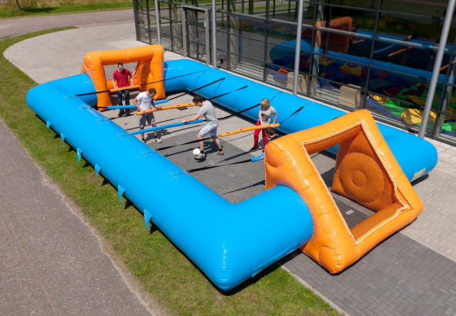 inflatable-human-table-soccer-blue-orange-7-940x652
