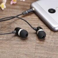 FS 813 Headset In Ear Earphones Mobile Phone Headset Wire Headset With Wheat Heavy Metal
