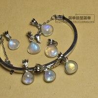 Mini pendant stone vows collarbone pendant on color blue ice kind of use Pure natural moonstone pendant female