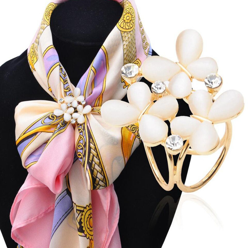 1pc Pins Korean Fashion Butterfly Scarf Buckle Brooch 2016 Women's Rhinestone Scarf Buckle Jewelry christmas gifts