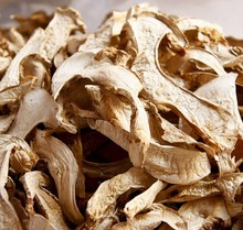 0.5kg Net weight dried Trichotoma matsutake mushroom from best health food supplement raw material