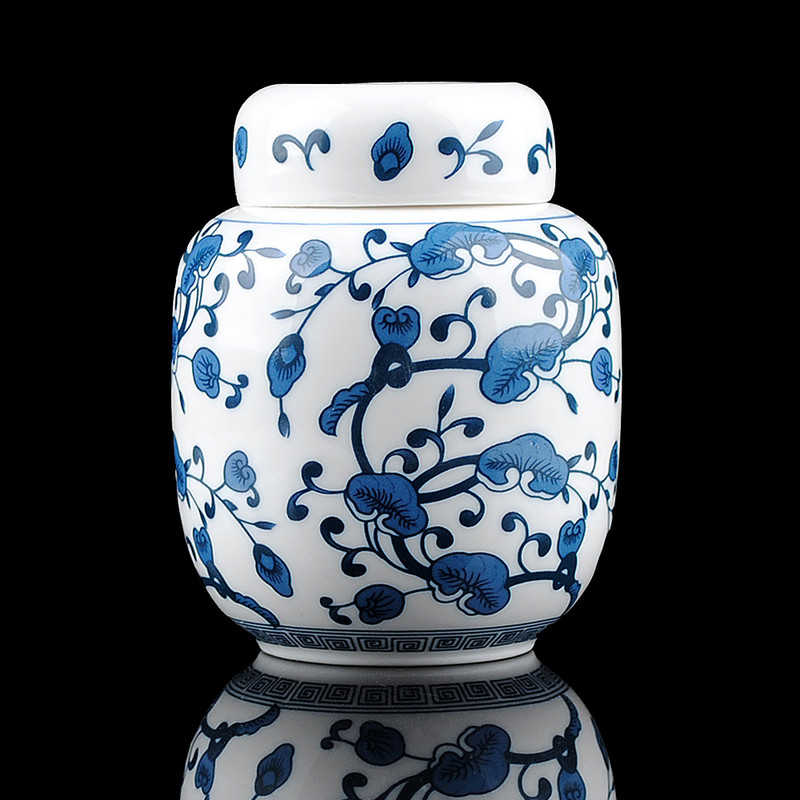 Traditional Chinese Style Classic Jingdezhen Tea Caddy Box White and Blue Porcelain Sealed Kung Fu Tea Jar Storage Canister