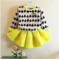 O envio gratuito de Meninas Definir Arco equipado roupas Primavera Outono das Crianças Bebê dos desenhos animados Menina dos esportes terno Longo-luva + saia I2-2 #311