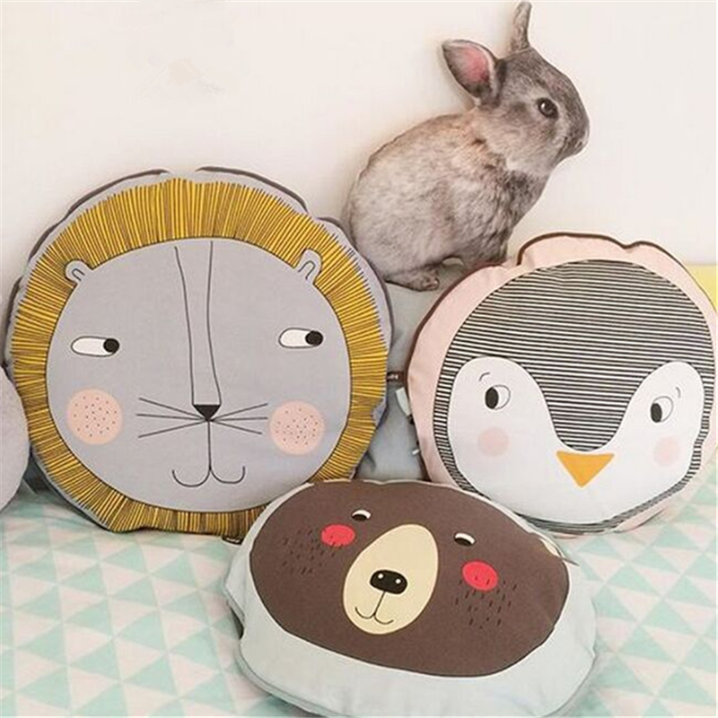 все цены на 40cm Baby Decor Pillow Nordic Cartoon Lion Baby Sleeping Doll Toys Kids Bed Room Crib Tent Decor Cushion Photography Props