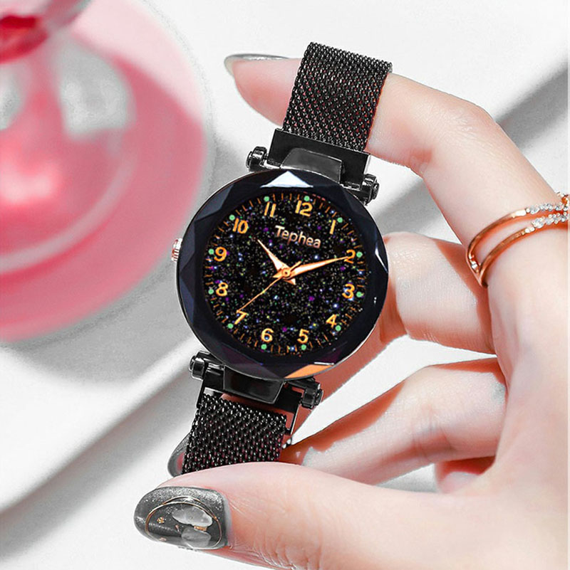 2019 Hot Sale Women Bracelet Watches Fashion Luxury Magnetic Buckle Stainless Steel Strap Luminous Dial Starry Sky Quartz Watch