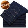 2016 nuevo invierno de alta calidad de revestimiento de lana ocasional pantalones vaqueros de los hombres, 100% algodón pantalones delgados de talla grande 29-38