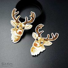 Deer Size:4.5x6.3cm Iron On Patch Sewing On Embroidered Applique Fabric for Jacket Badge Clothes Stickers(China)